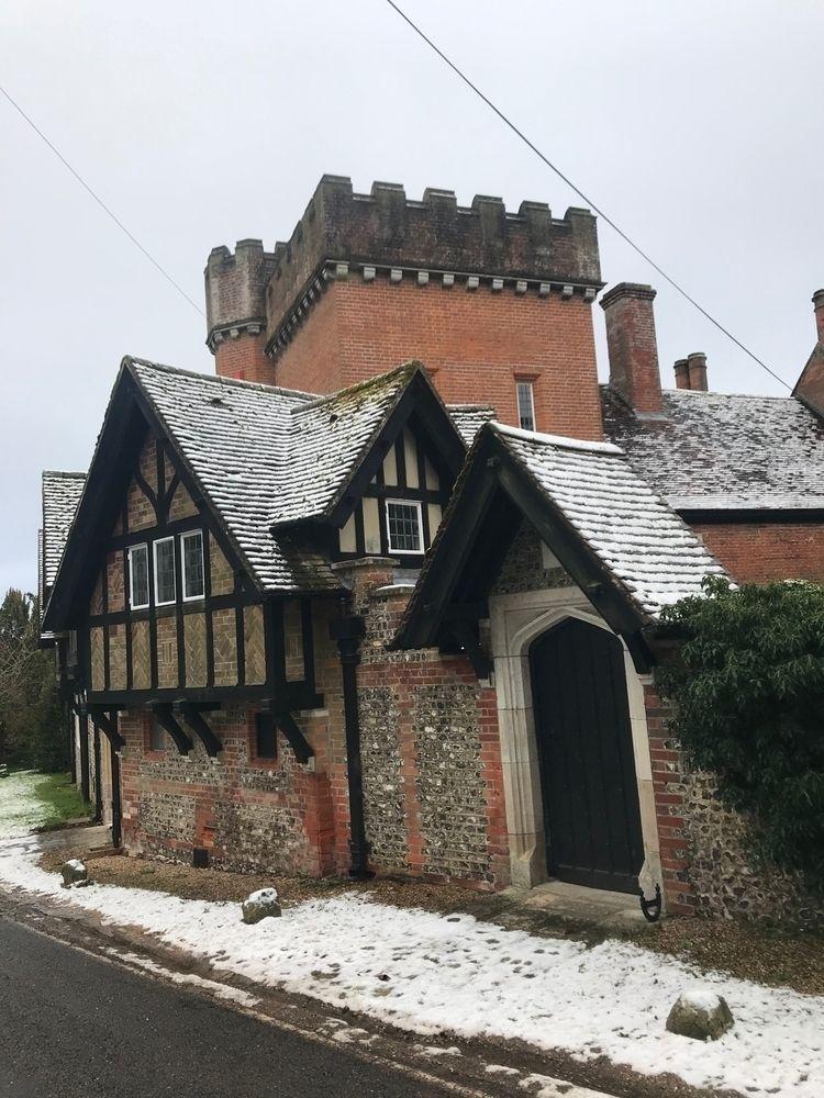 Dower House - winter, hampshire - flatsquirrel | ello