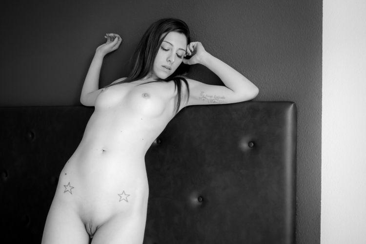 Deena - beauty, nude, erotic, nsfw - newcracksinthewall | ello