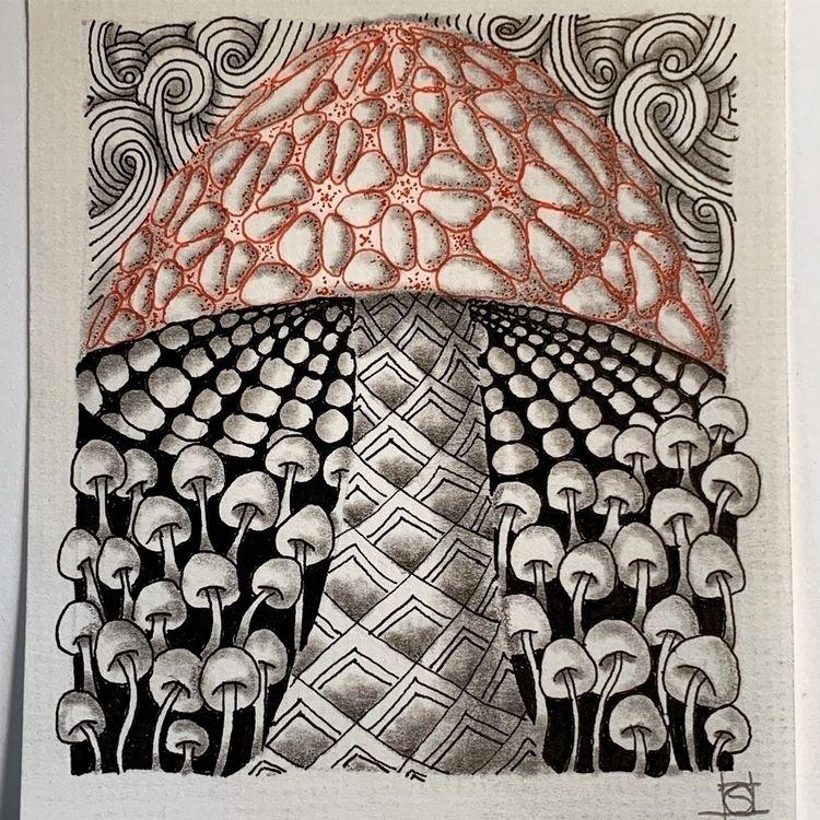 Amanita dreaming - ink graphite - steppielee | ello