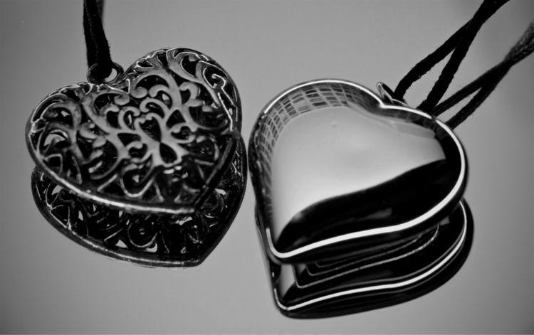Day - valentinesday, heart, bw - taari | ello