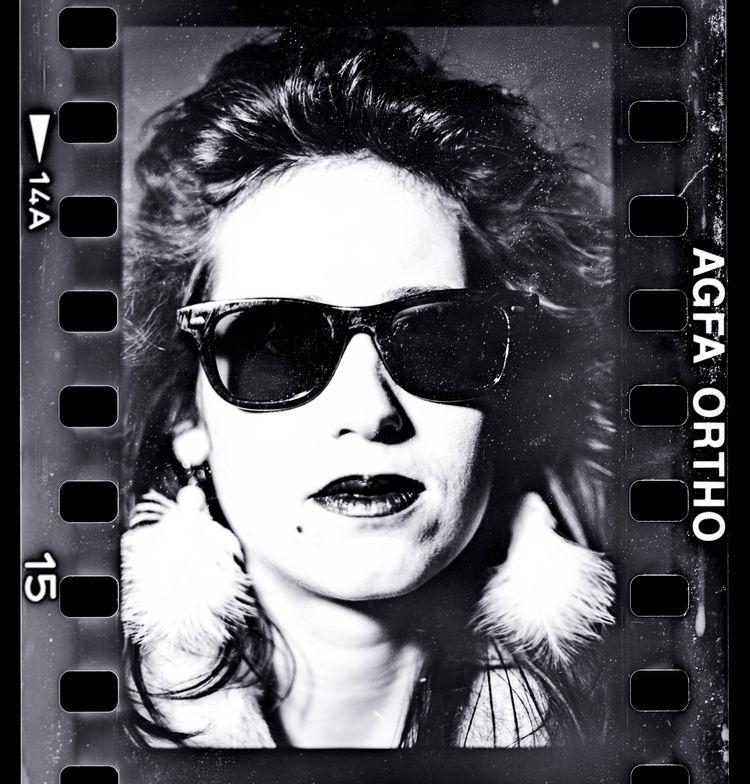Estelle - vintage#fashion#film#argentique - studiophotophoremtl | ello