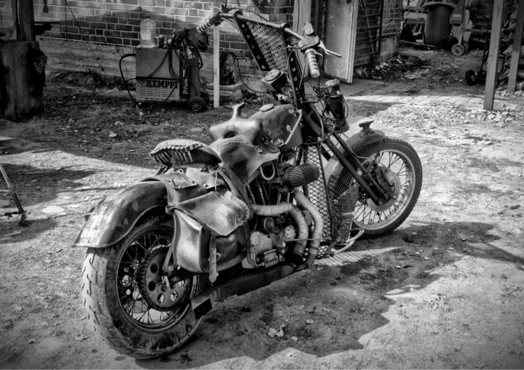 Chopper Mad Max style - chopper - taari | ello