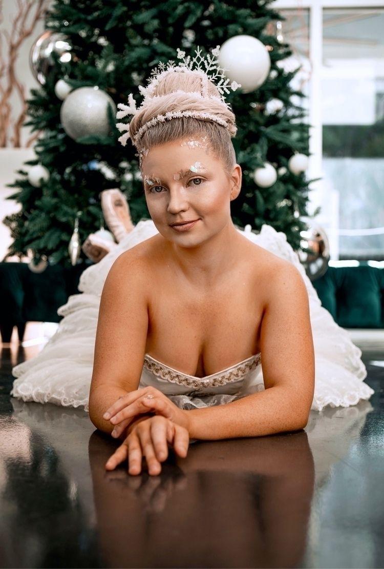 snow ballerina / happy holidays - brooksley   ello
