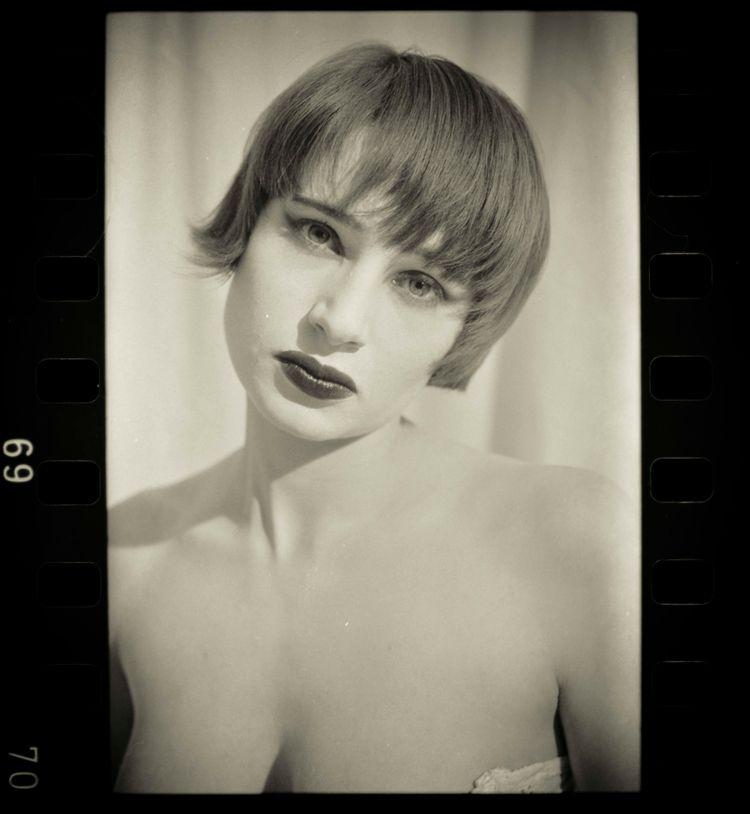 Anne withe#vintage#fredericchai - studiophotophoremtl   ello