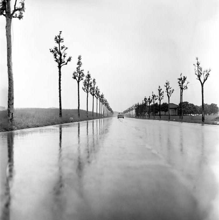 Northern Italy 1959 road Photog - nickdewolfphotoarchive   ello