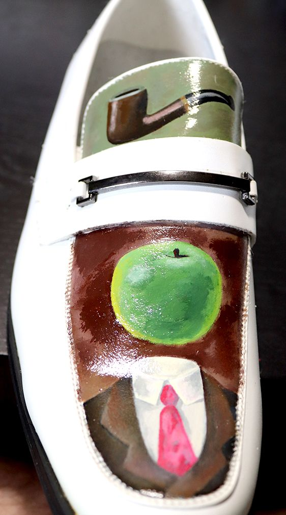 work - Magritte-inspired shoes  - demonescuro | ello