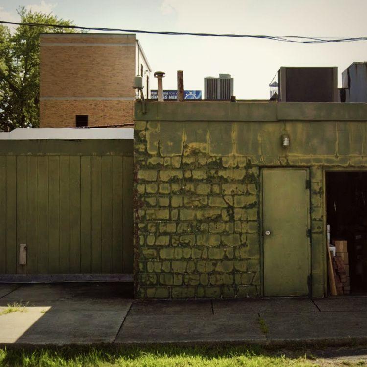 Walls / Amherst Avenue, Boardma - dispel | ello