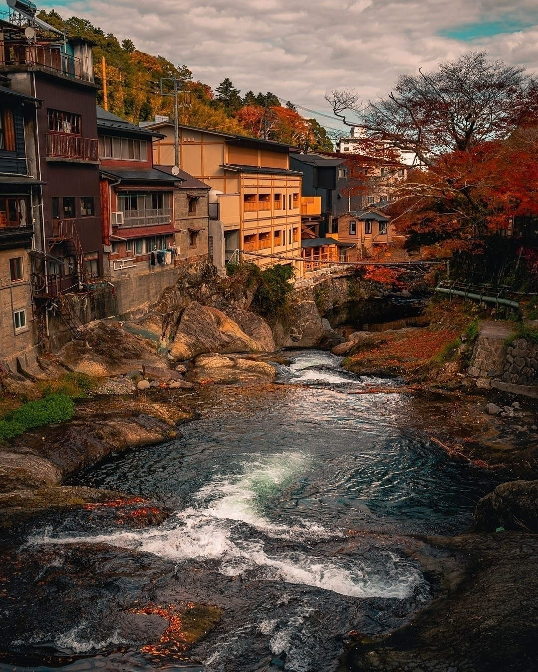 Cascade...  - tokyo, japan, asia - fokality | ello