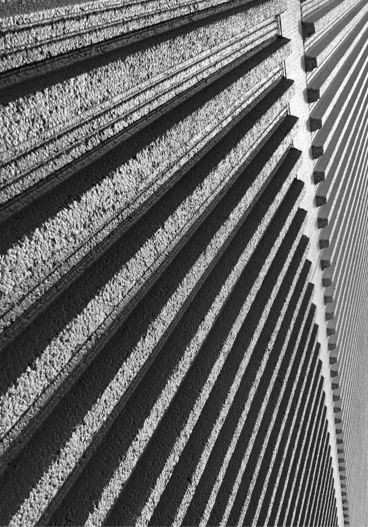Mall wall line - robertocentazzo   ello