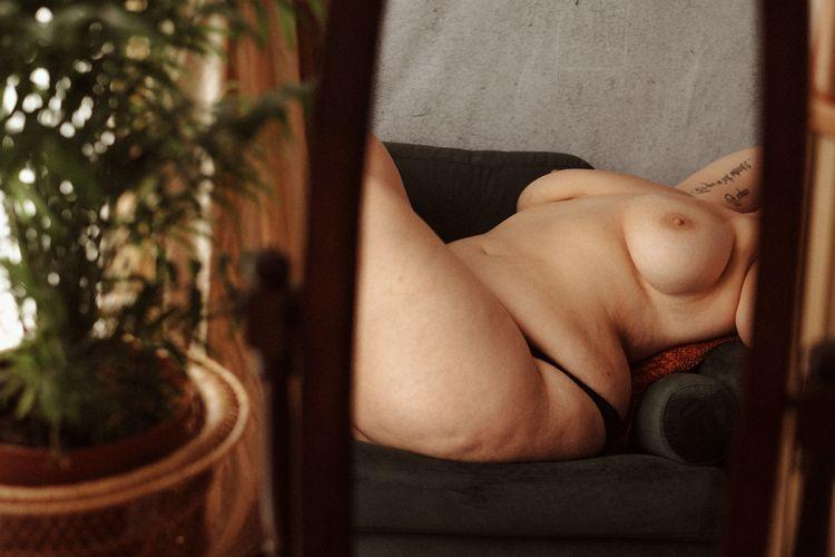woman, boudoirphotography, frenchphotographer - wasally | ello