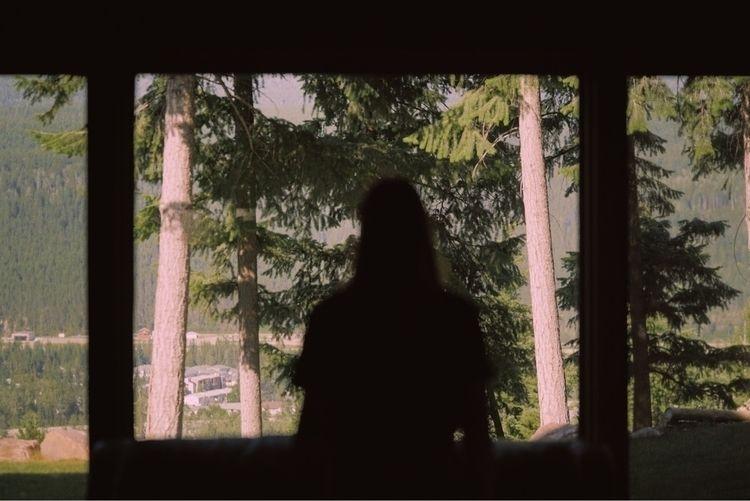 Room view - rjov | ello
