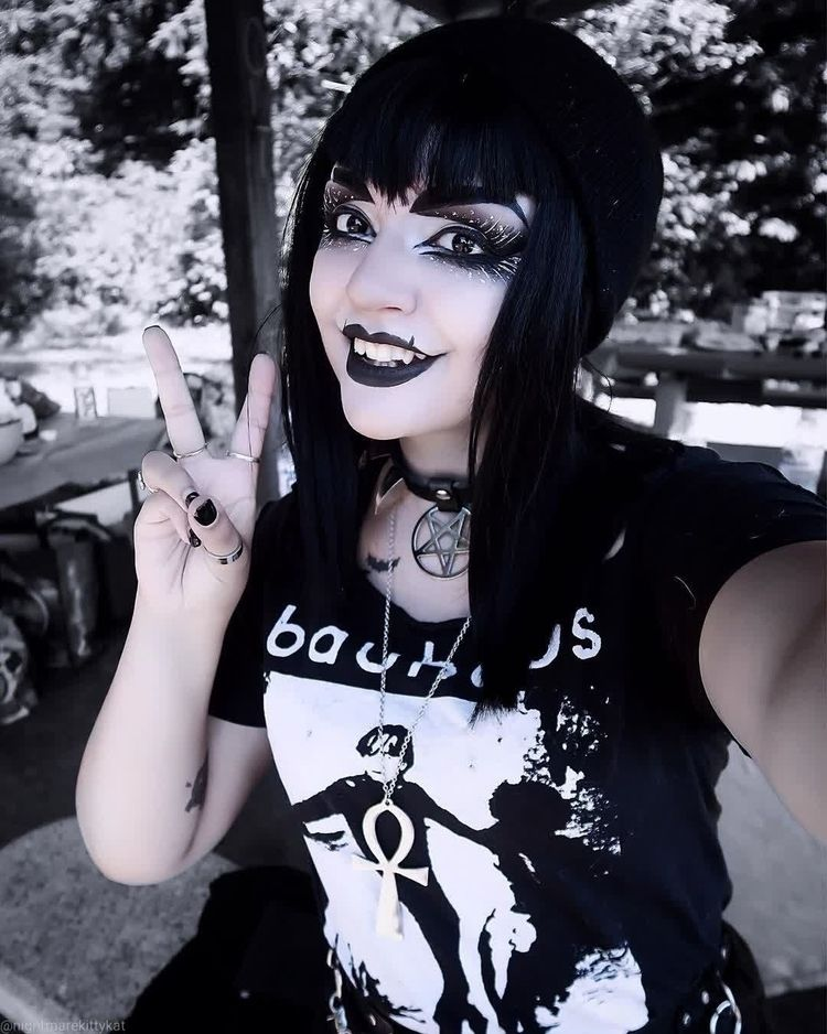 Willow Von Witcher Model - children_of_ash | ello