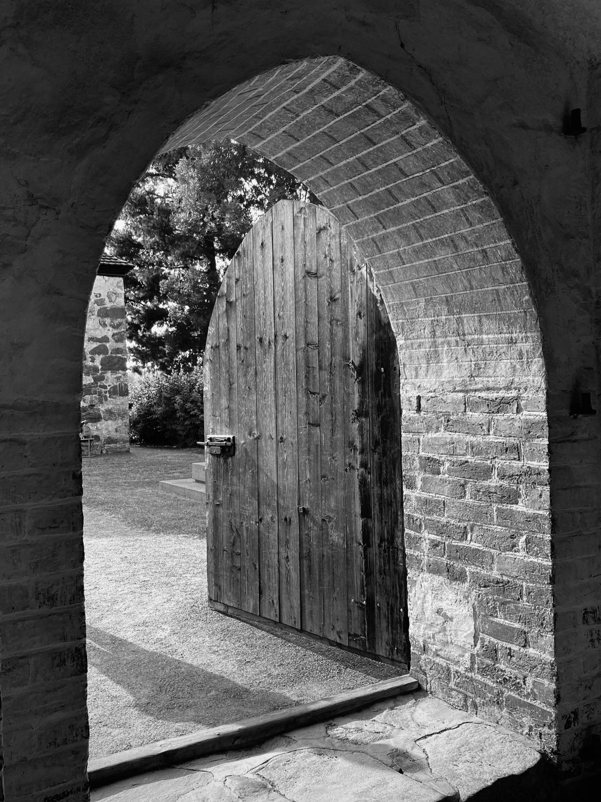 Stone Church Sipoo - Finland - churchdoor - taari | ello