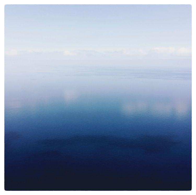 BOUNCE | close eyes - photography - delafoi | ello