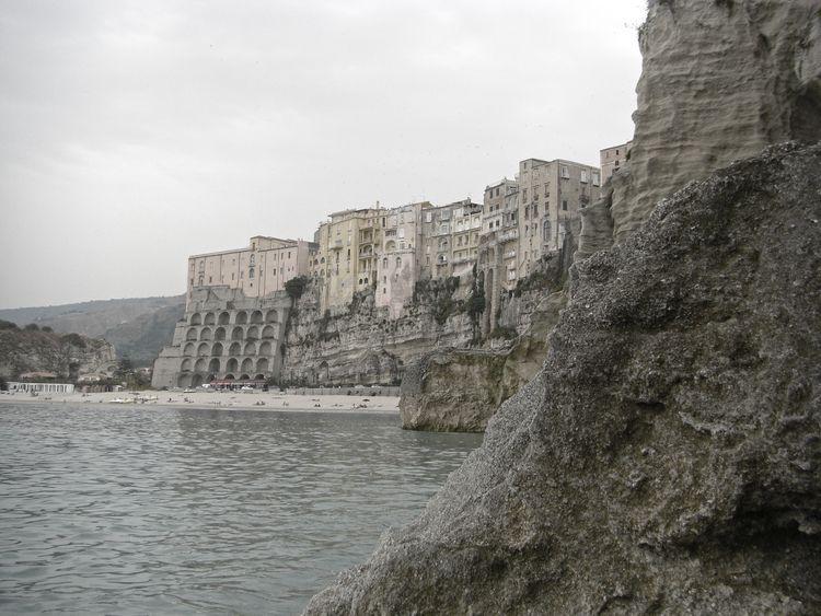 View rocks Tropea | :copyright - blueskipper | ello