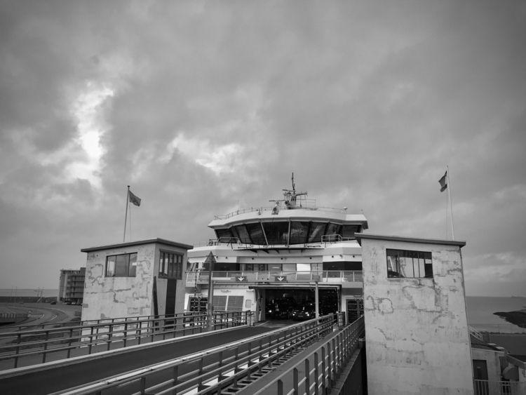Ferry Den Hoorn :copyright:2020 - blueskipper | ello