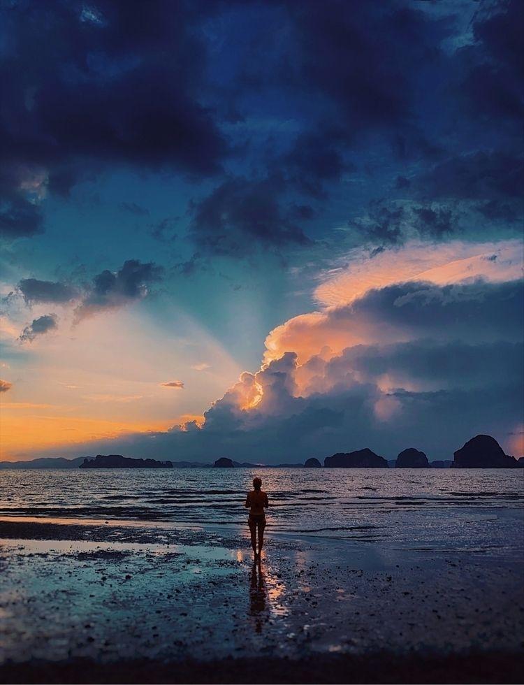 🧡 - Thailand, sunset - riyasmh | ello