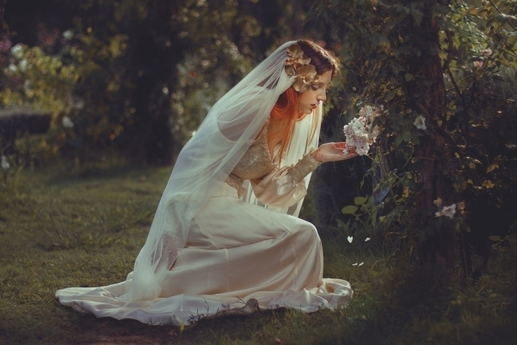 Xenia Lau (xenia.xlf) - Sheziss Insomnia - mua Yadira Blackpearl (darkshadowmakeup) - wardrobe Avalon Saez (FantasyCouture).jpg