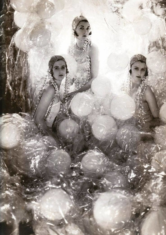 Baba Beaton (Cecil Beaton's sister), Wanda Baille-Hamilton and Lady Bridget Poullett. Photography by Cecil Beaton, 1930. ~ 12628606_996387470433986_7941749445250368241_o.jpg