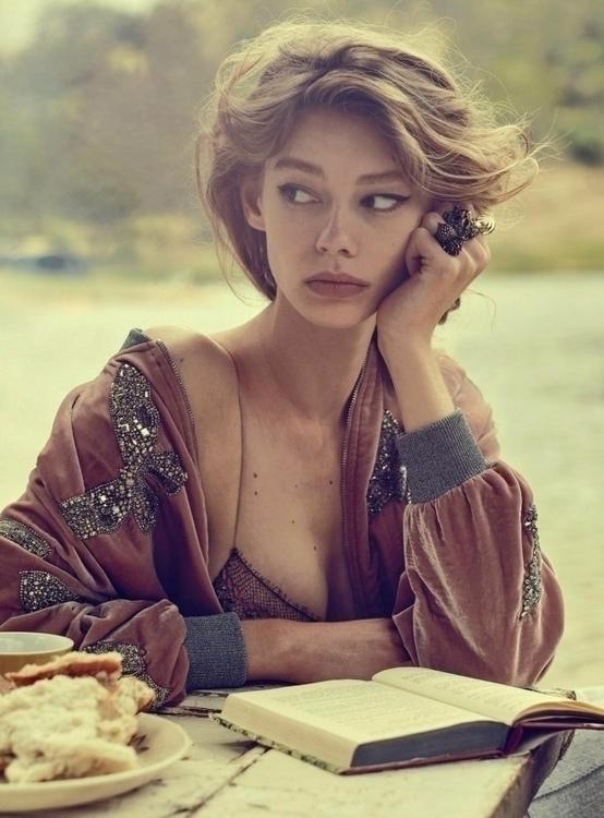Vogue-Australia-March-2016-Ondria-Hardin-by-Will-Davidson-01n-620x840.jpg
