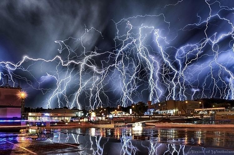 True weather storm in all it's beauty ..jpg