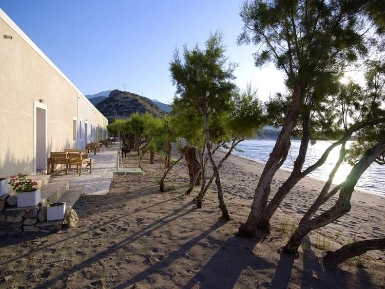 Apothikes_Seaside_Apartmetns_1.jpg