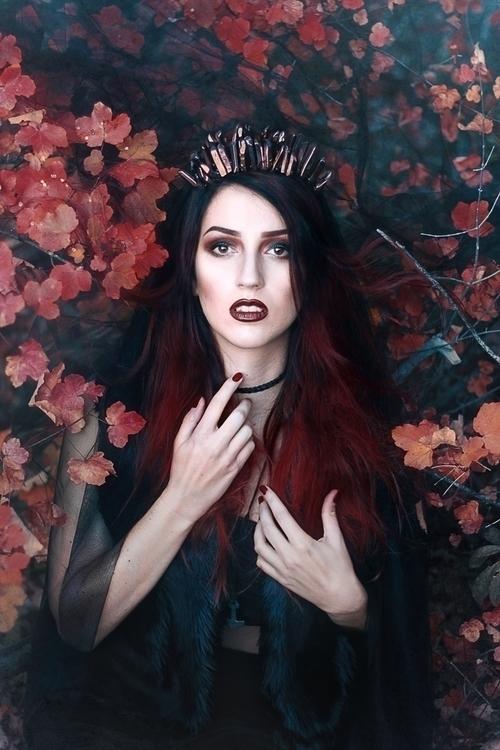 Anne-Cécile D. Van Doren (AnneCecileDVanDoren) - Lady Redstone (Lady-Redstone-104765906310228) - mua Laura Bosq (laurabosqmua).jpg