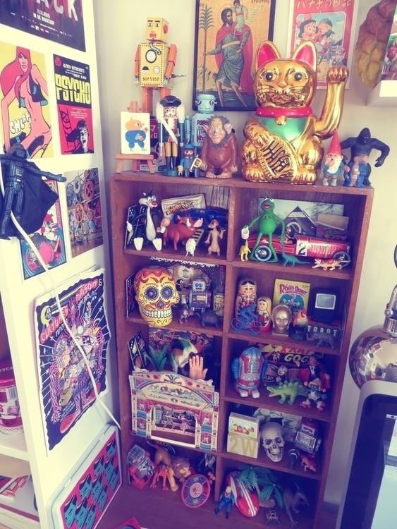 desk toy museum_jangojim.jpg