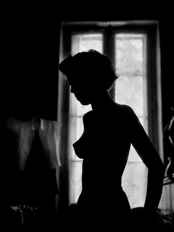by René Groebli ~ The eye of love, Nouvel Hotel, Paris, 1953. ~ 12803153_253687794964507_2015479226500799483_n.jpg