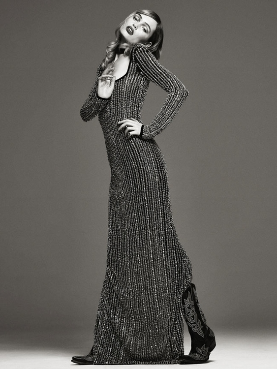 Photography by Bjorn Looss. Fashion editor Carine Roitfeld. Model Staz Lindes. For CR Fashion Book. 6.jpg