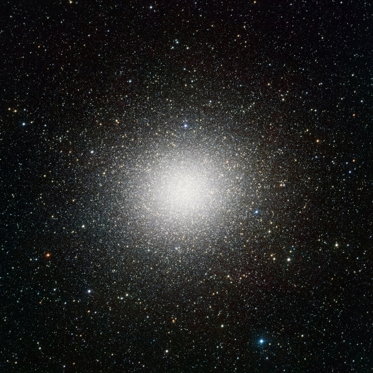 VST_image_of_the_giant_globular_star_cluster_Omega_Centauri
