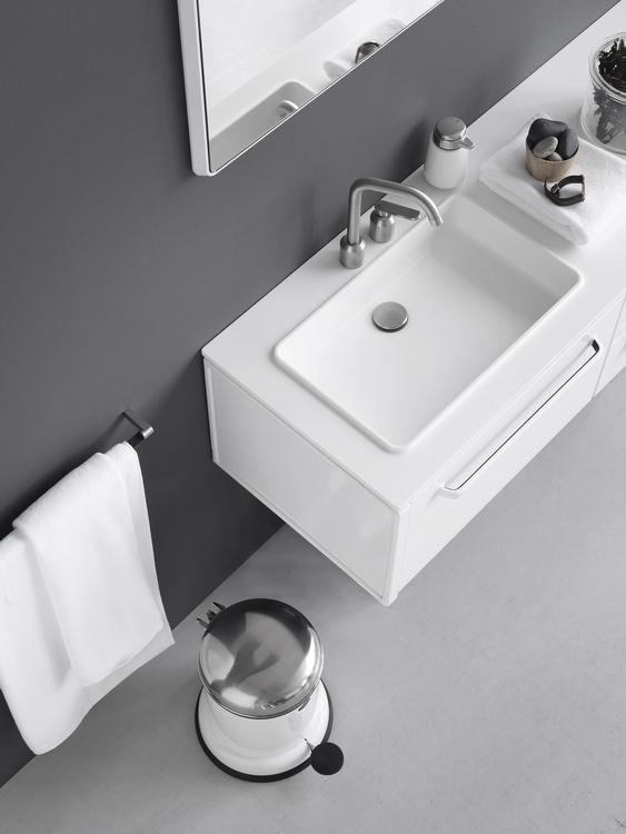 Vipp982-Bath-Module-Living08-Lowb.jpg