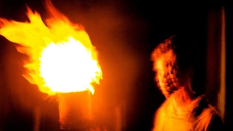 29 La Noche y El Fuego.jpg