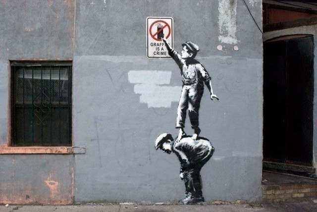 Banksy-Street-Art-in-Animated-GIF_0-640x428.jpg