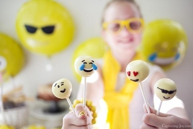 fiesta-emoji-party-partyideas-1.jpg