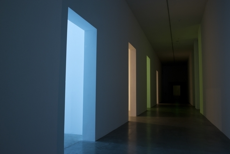 Laddie-John-Dill-Installation-01.jpg