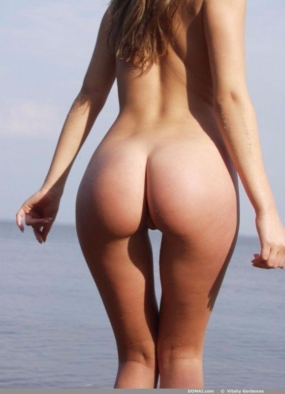 фото женских голых ягодиц