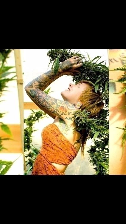 420 Pinups beautiful cal tattoo - sunnierizzolophotography | ello