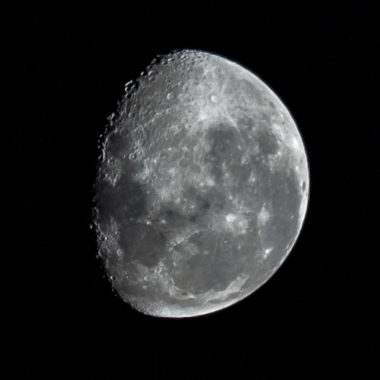 Waning Gibbous Moon - Barton AC - momentsforzen | ello