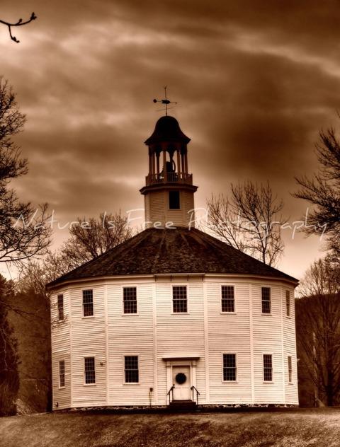 The Round Church, Old historic  - natureisfree | ello
