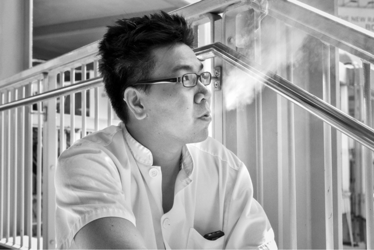 Cigarette break Hong Kong cigar - dabpix | ello
