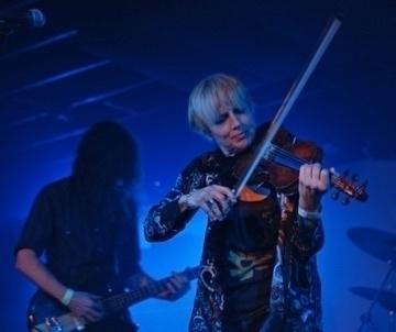 Back full US tour backing legen - violinfemme | ello