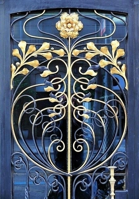 Wrought iron door, Barcelona - arthurboehm | ello