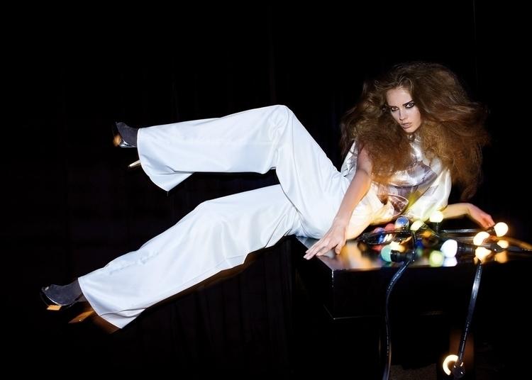 Fashion photography portfolio W - fabrik | ello