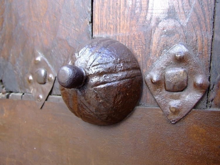 """Thinking Karen"" Door knocker - - ivoiceovers | ello"