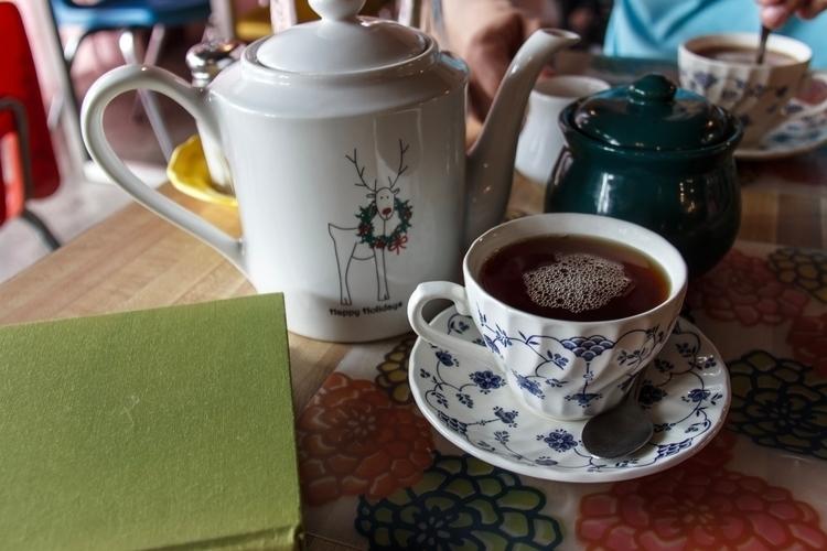At Full English Cafe, pot Lipto - black-emerald | ello