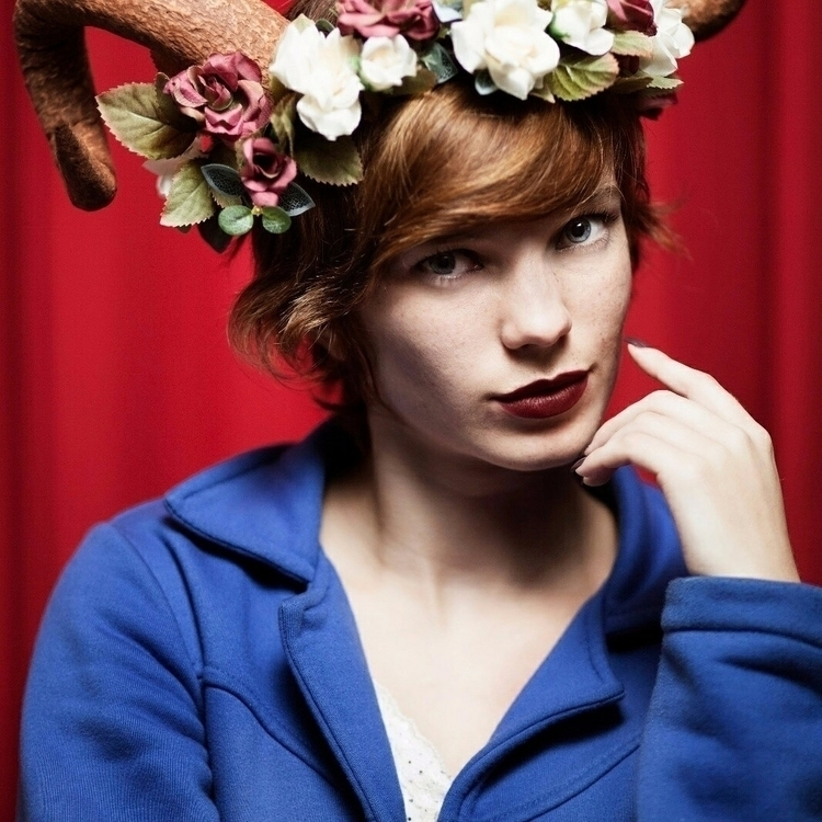 horns girl flowercrown photogra - fredtriade | ello