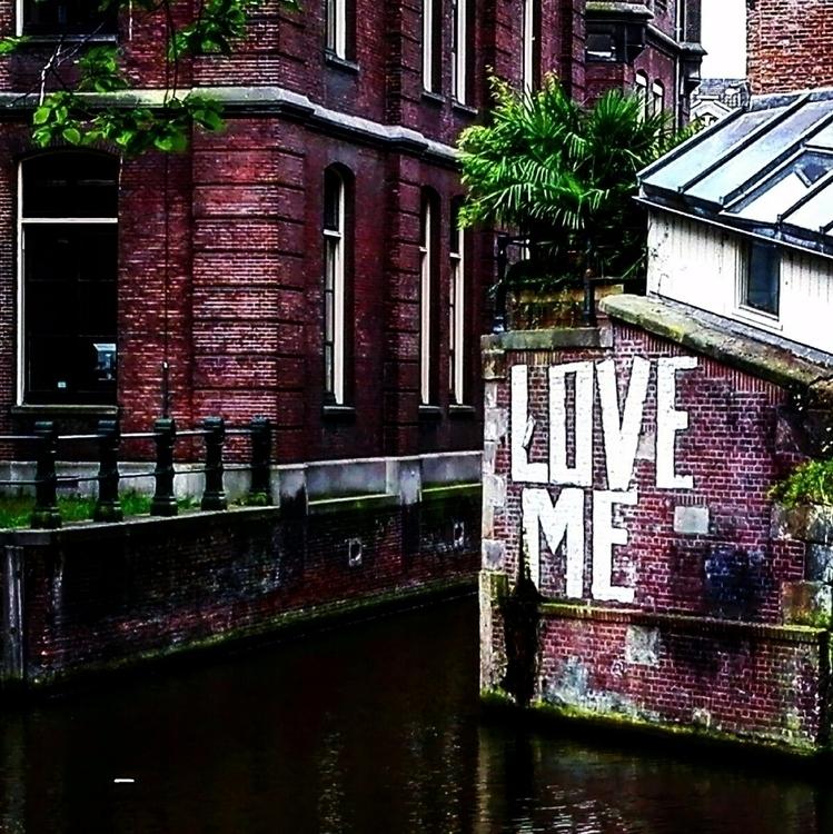 loveme love amsterdam streetart - sir_pete_mc_hentloch | ello