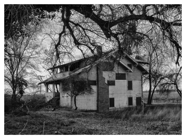 Abandoned house, Clarksburg, CA - guillermoalvarez | ello
