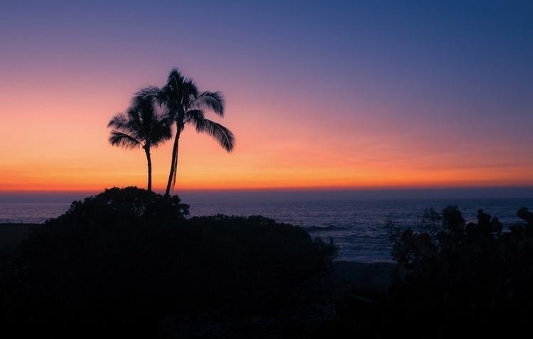 Big Island Sunset - rayrenati | ello